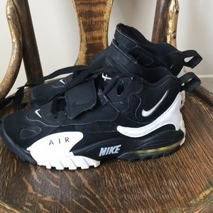 Nike Shoes - Men's Nike Airs